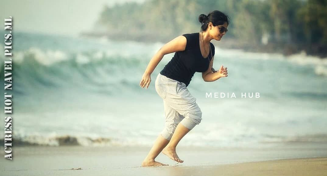 Samyuktha Menon Hot Thighs Photos