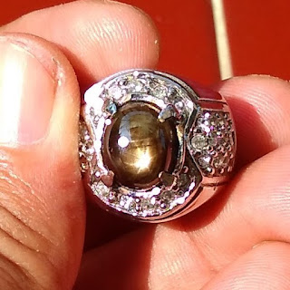 Batu Natural Black Safir Golden Star