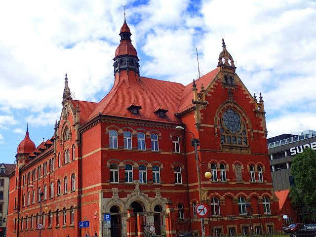 Budynek III LO w Katowicach