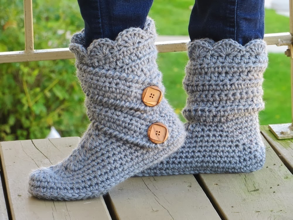 French Crochet Patterns : ... Crochet Pattern, Classic Snow Boots, US sizes 5-12, Now in French too