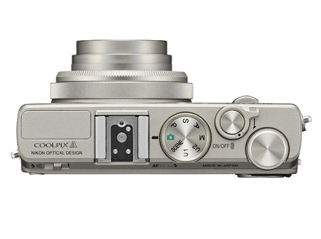 La Nikon Coolpix A fotografata dall'alto