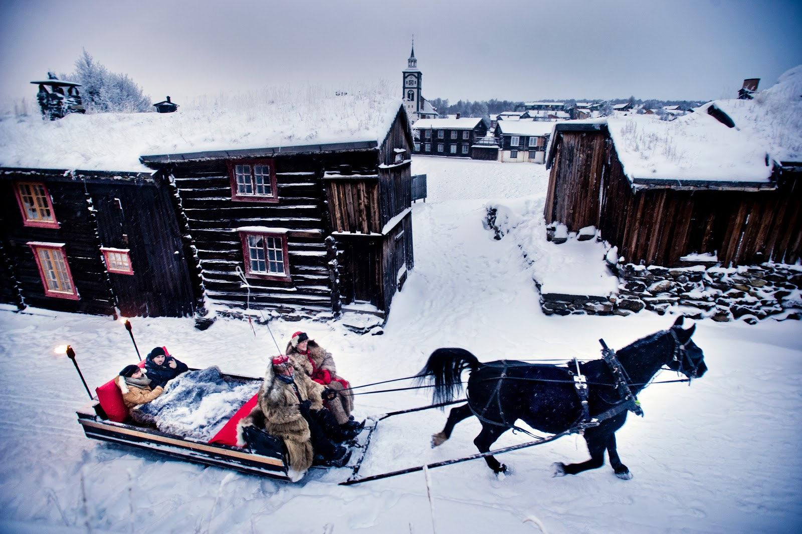 Horse and sleigh at Røros. Photo: Thomas Rasmus Skaug - visitnorway.com.