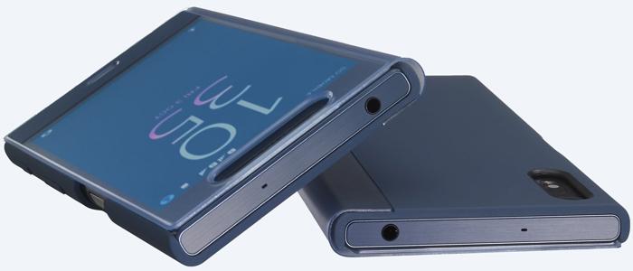 SCTF10は装着したまま卓上ホルダでXPERIA XZを充電できる