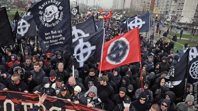 Οι κομμουνιστές τα εχουν βρει σκούρα στην Ουκρανία  που θέλουν να την βαλουν στην Ευρώπη!οι εθνικιστές ειναι πιο πολλοί απο κομμουνιστικα μορφώματα!