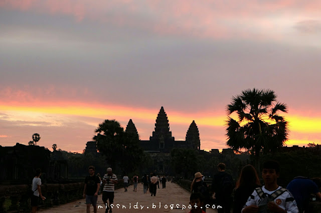 sunrise picture in angkor wat siem reap cambodia