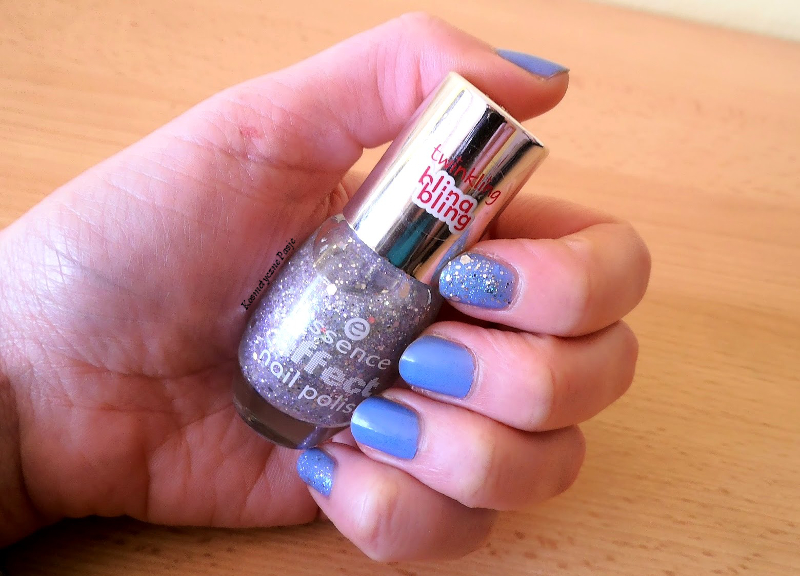 srebrny lakier do paznokci