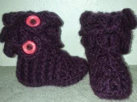 http://crocheteandoconimaginacion.blogspot.com.es/2014/04/botas-en-puntos-relieve-y-escama.html