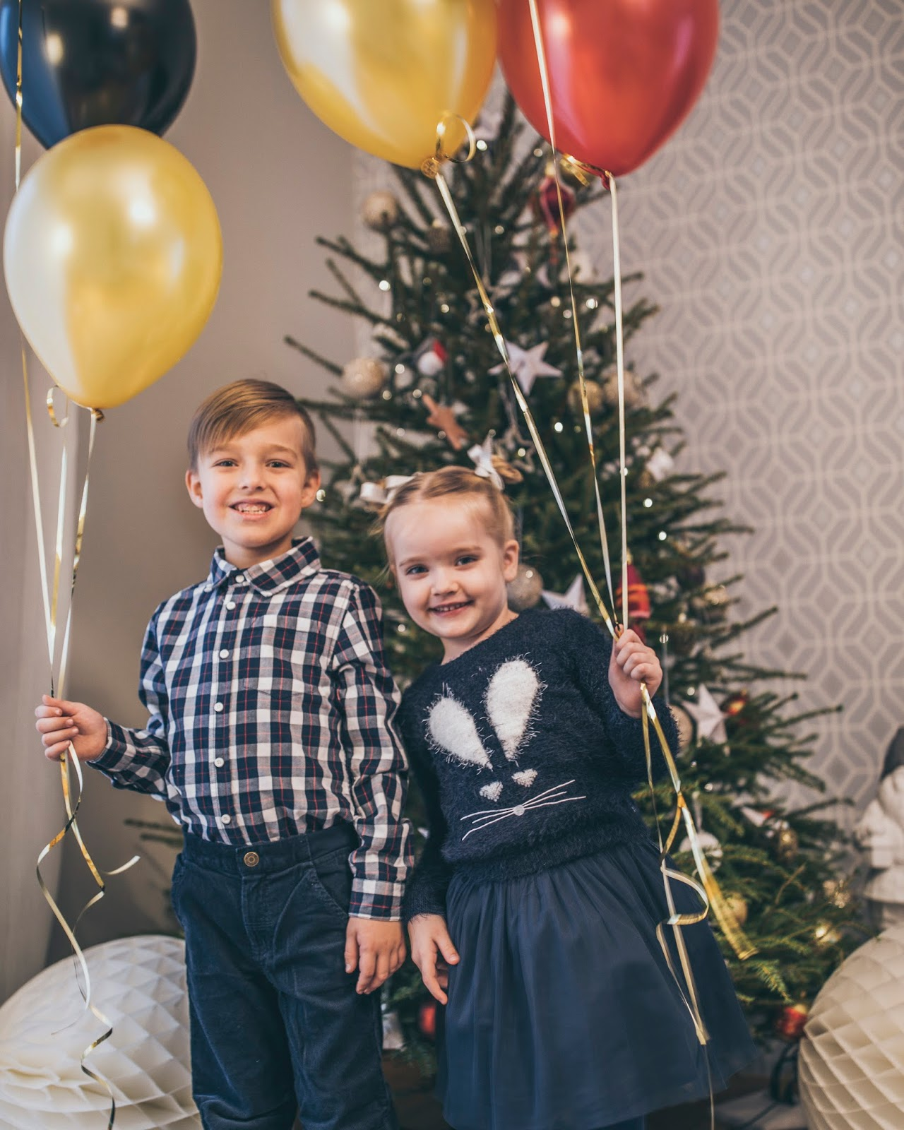 kids christmas balloons celebration photography
