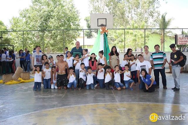 Alunos da Escola Mons. Carneiro realizam evento para valorização da cultura indígena
