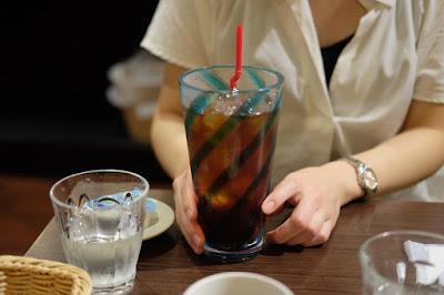 鳥取の喫茶・カフェ すなば珈琲 大きなアイスコーヒー