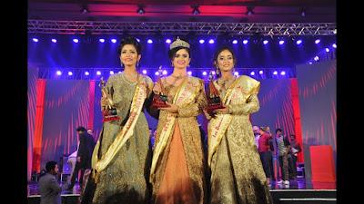Jannatul Ferdous Oishee, Miss World Bangladesh 2018 (in middle)