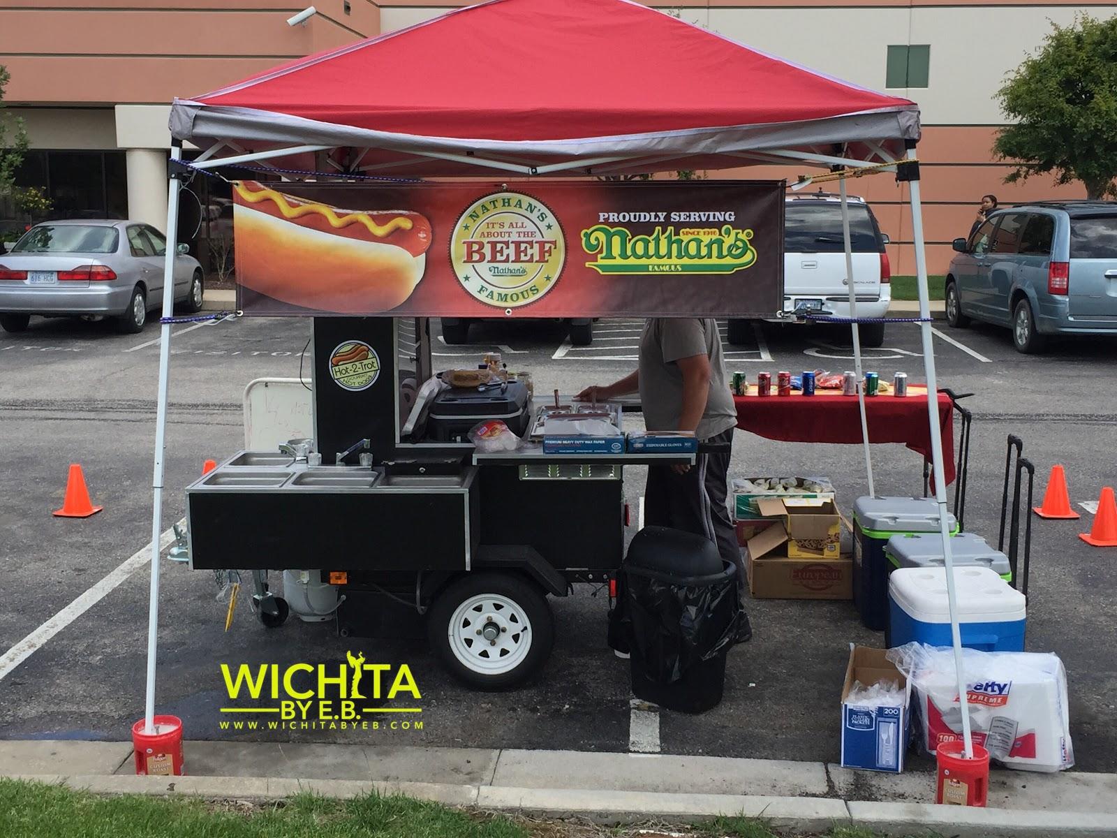Food Truck Hot 2 Trot Gourmet Hotdogs Review