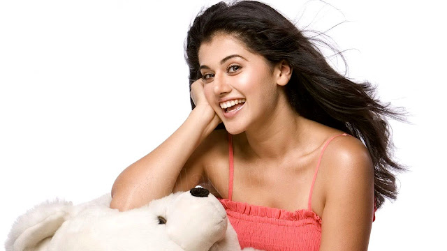 Taapsee Pannu With Teddy Bear Images Wallpaper
