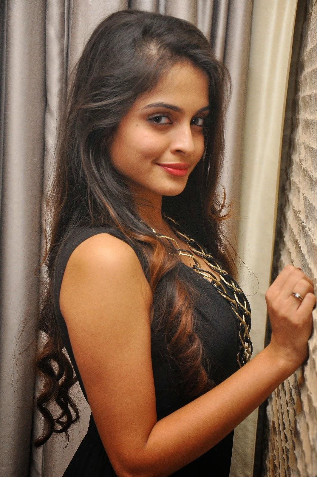 Sheena Shahabadi New Photo Shoot