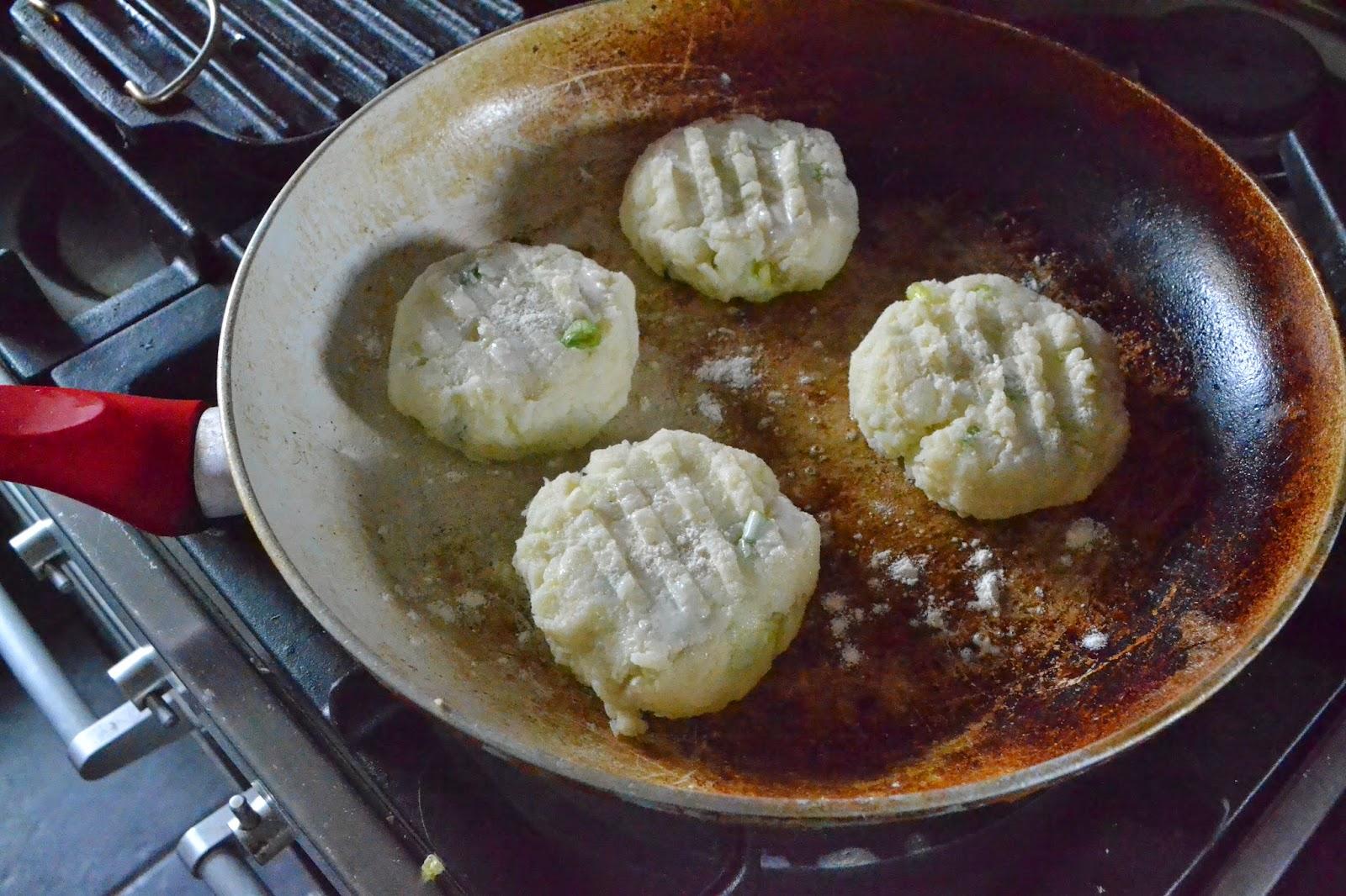 Jamie Oliver Recipe For Cake: Potato Cakes With Smoked Salmon - Jamie Oliver Recipe