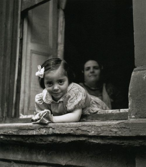 Girl+on+Windowsill+New+York,+1947