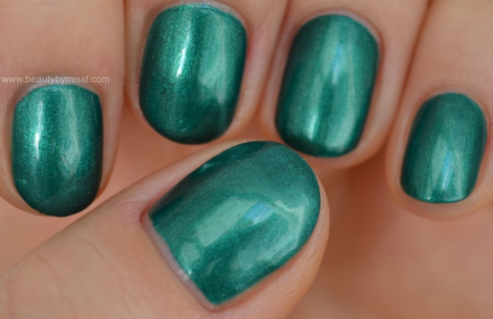 China Glaze green nail polish, manicure, notd, swatches
