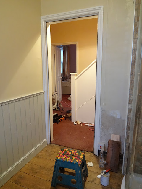 fresh painted architrave in Laura ashley white eggshell