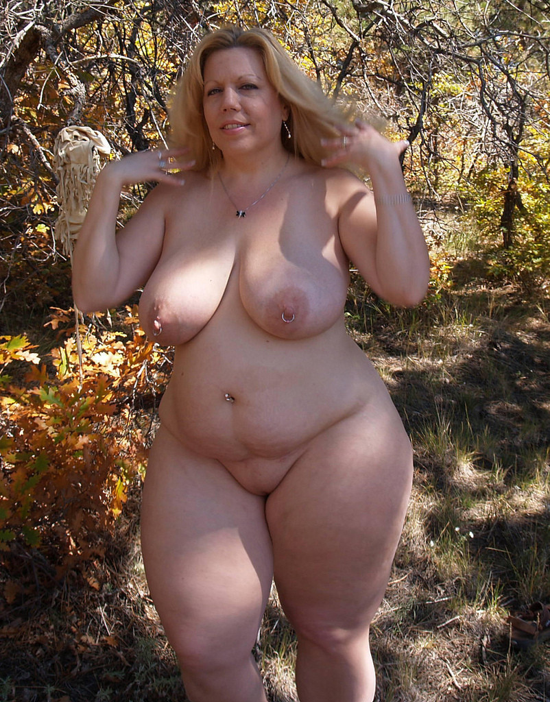 Mature Wide Hips Beach-7313