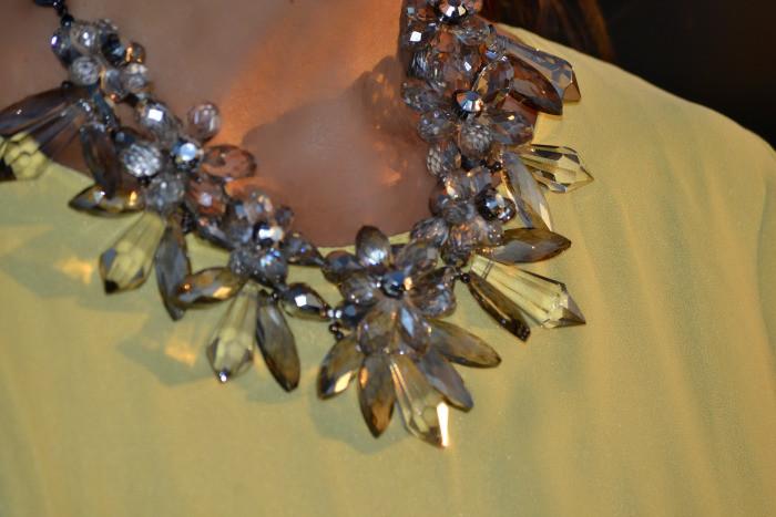 collar_transparente_flores_y_piedras_zara_obeblog_01
