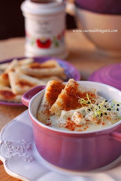 crema cavolfiore gorgonzola crostini paprika