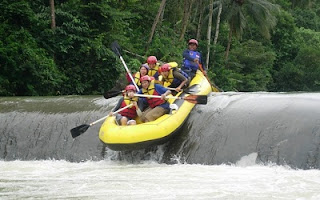 Tempat Wisata di Banten arung jeram sungai ciberang