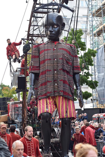 Little Boy Giant with lilliputians #liverpoolgiants Giant Spectacular