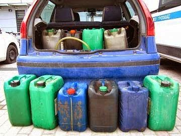 Λάρισα: Το έπιασαν να κλέβει πετρέλαιο απο λεωφορείο