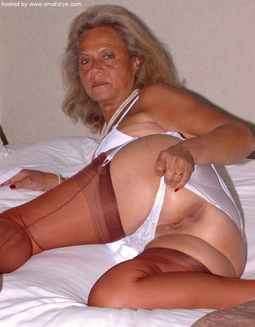Old lady sexy butt pics can