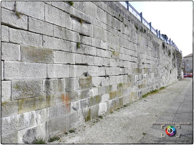 LIGNY-EN-BARROIS (55) - Les remparts médiévaux