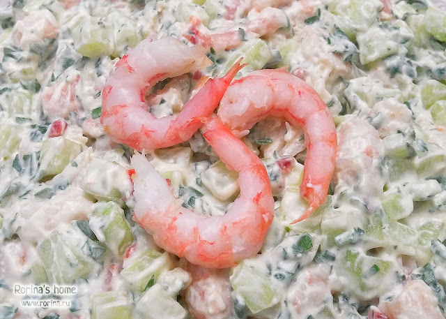 Салат с креветками и огурцами: пошаговый рецепт