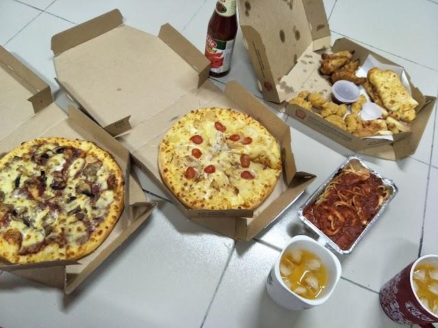 Berbuka puasa dengan Dominos Pizza | delivery Batu Pahat terbaik !