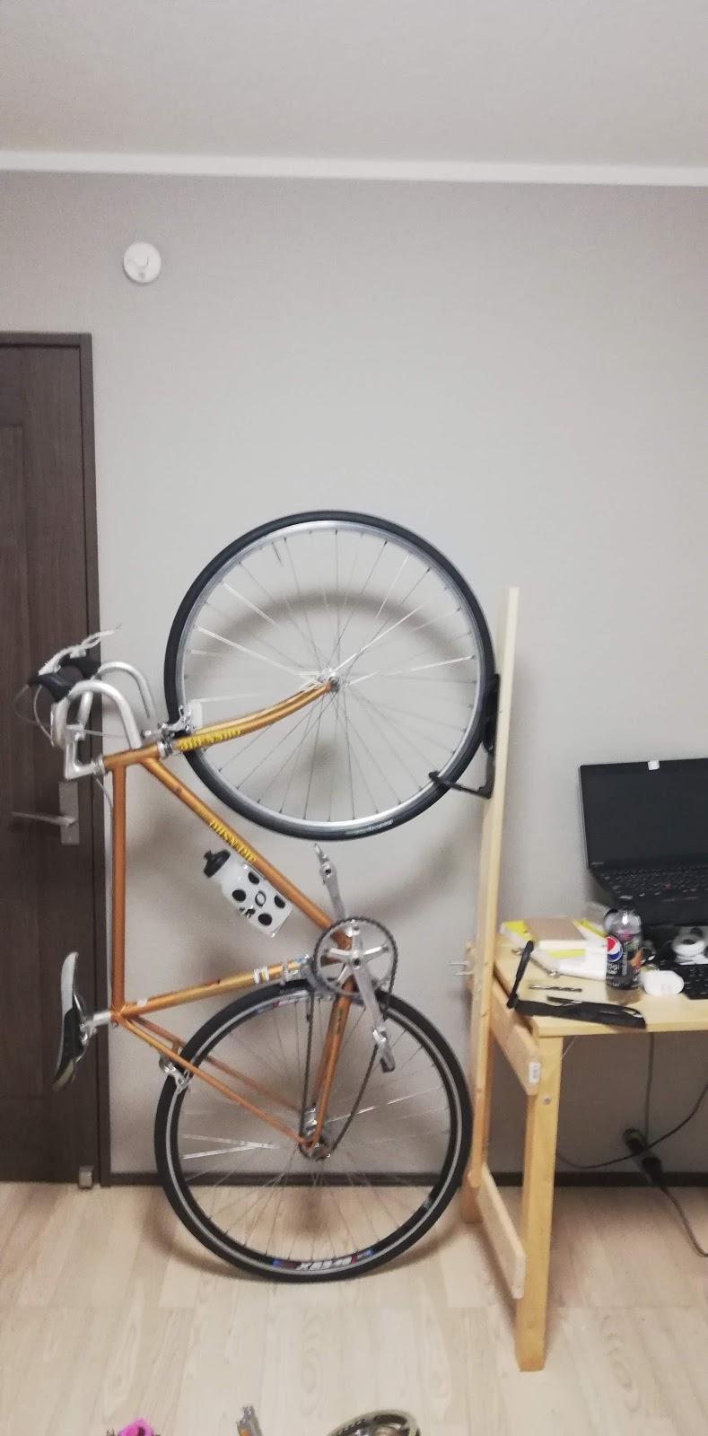 2度のdiyで改善を重ねた自転車の縦置き 3度めは縦置きスタンドを導入した話