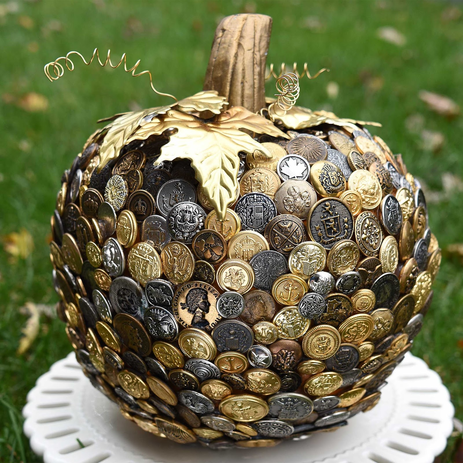 Click below for the button pumpkin