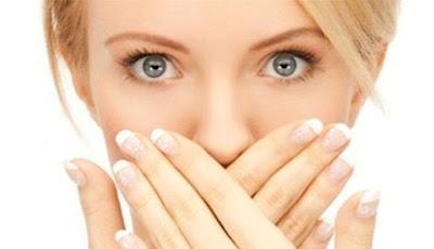6 Cara Alami Untuk Menghilangkan Bau Mulut, Terbukti Ampuh