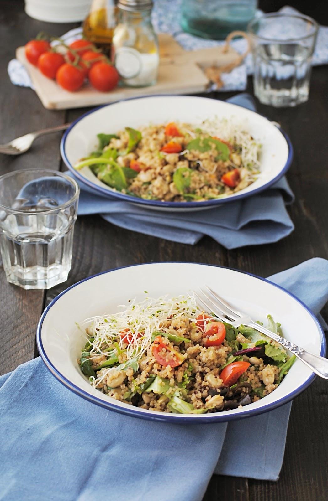 Cocinando con neus ensalada de quinoa con habitas y - Ensalada de habitas ...