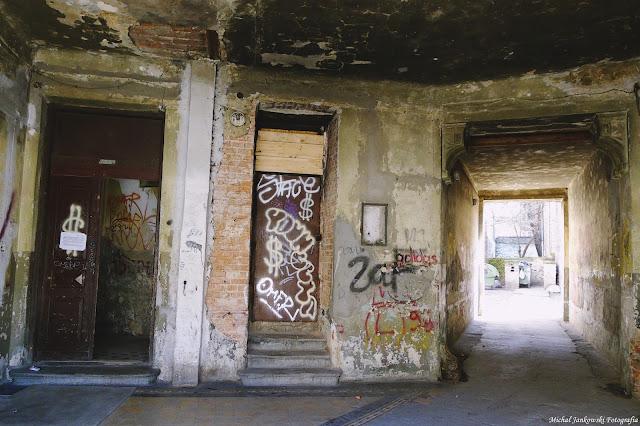 Kamienica przy Sprzecznej 8 w Warszawie