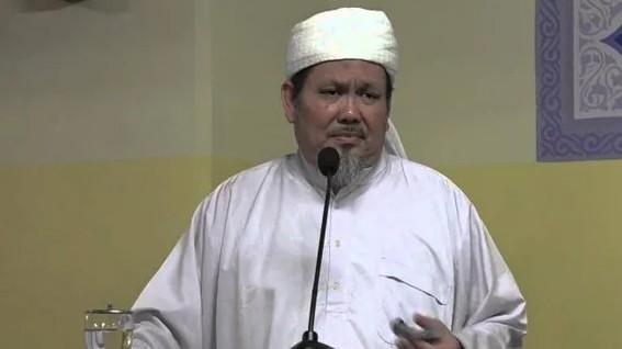 """Rocky Gerung Dihantam """"Kitab Suci Itu Fiksi"""", Tengku Zulkarnain: Fiksi di Masa Depan Jadi Realita"""