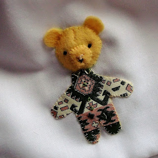 tiny teddy by Karen Vallerius