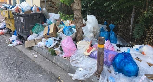 «Πνιγμένη» στα σκουπίδια η Αθήνα - Πότε θα αποκατασταθεί το πρόβλημα