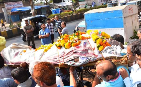 rajesh vivek funeral - back to bollywood