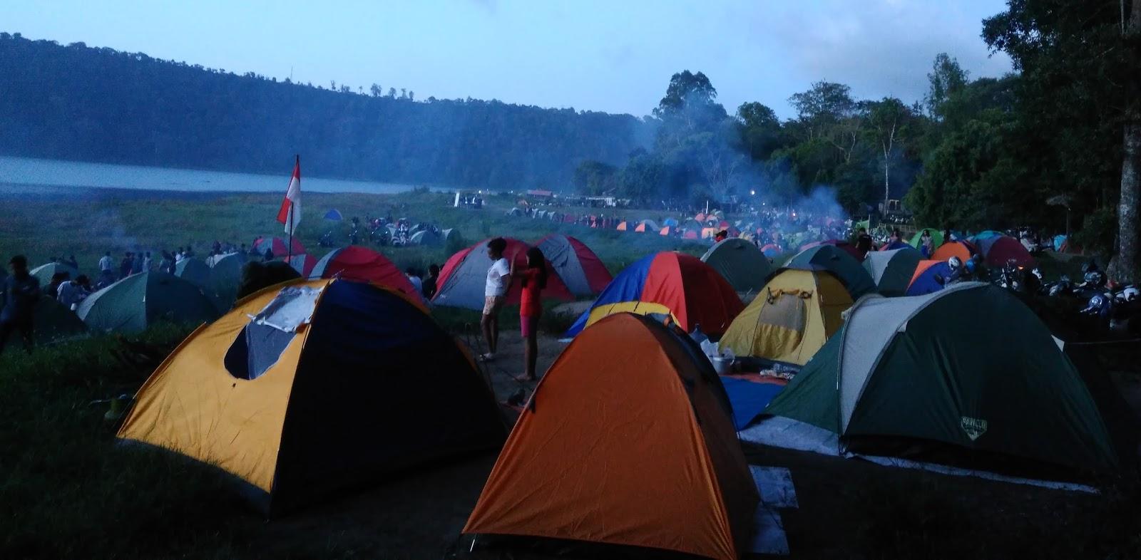 Sewa Peralatan Camping Dan Tenda Kemah Serta Jual Perlengkapan Kompor Mini Windprof Kovar Suasana Di Danau Buyan