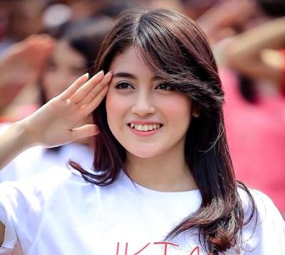 Nabilah JKT48 Artis Indonesia Paling Cantik dan populer 2016