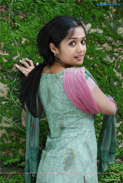 ananya hot saree photos