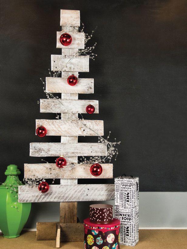 Árvores de natal criativa de parede com pallet