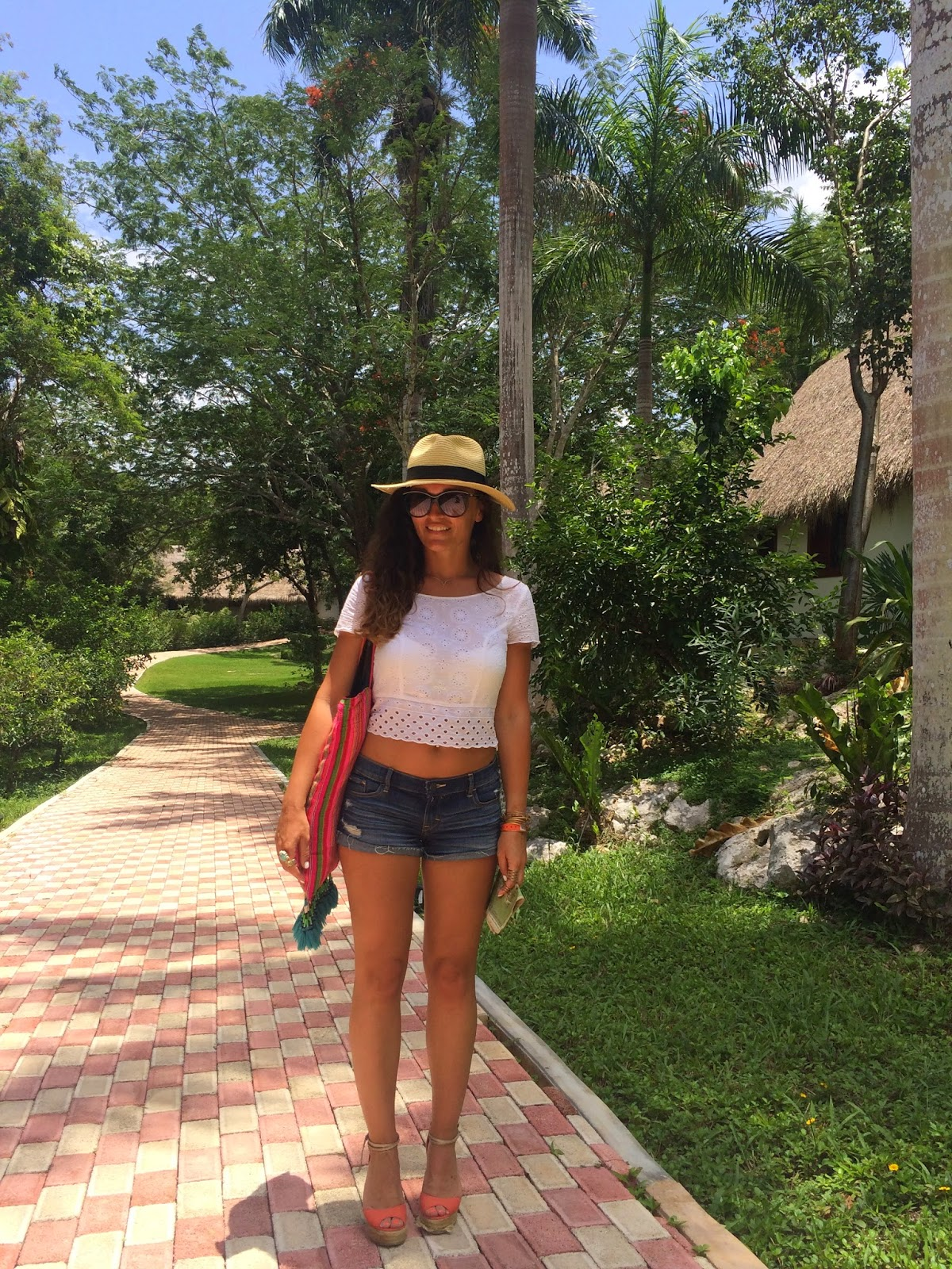 Mexico, summer outift, wedges, cropped top, how to wear a cropped top, blogerke, sorc, canadian fashion blogger, toronto street style