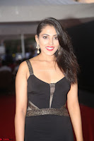 Madhu Shalini in a Glamorous Deep neck Black Sleeveless Dress at Mirchi Music Awards South 2017 ~  Exclusive Celebrities Galleries 041.JPG