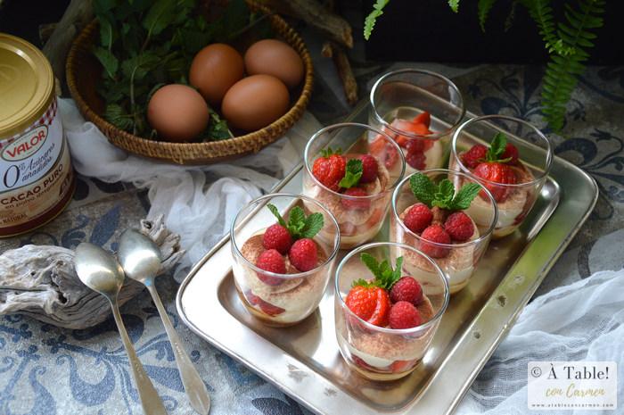 Vasitos de Crema Mascarpone y Frutos Rojos
