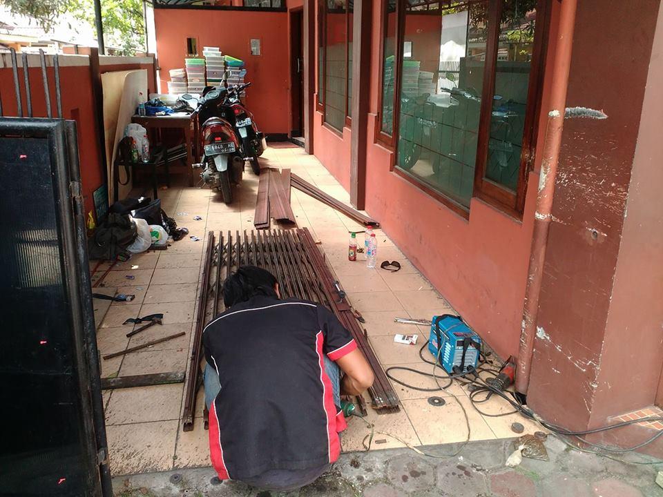 SESUDAH SERVICE PINTU FOLDING GATE DI MALL PASAR BARU