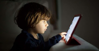 Children Who Spend Time In Front Of Screens Risk Myopia, Obesity And Cancer